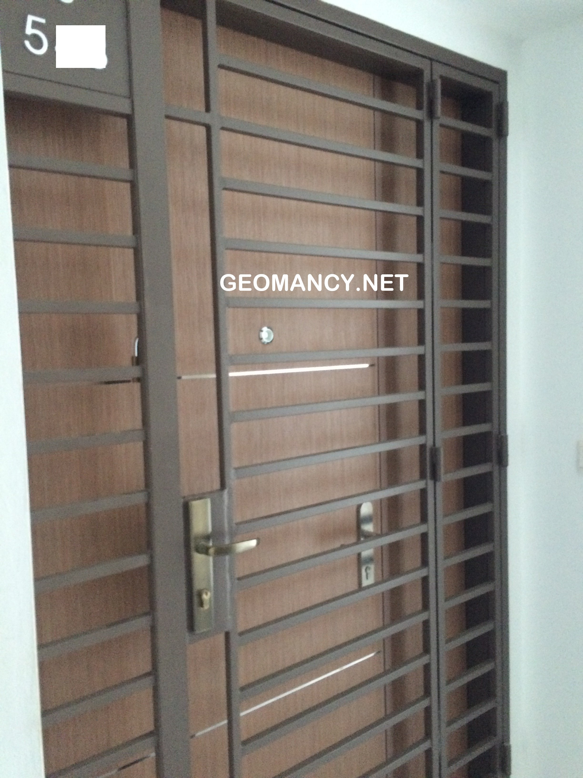 Traditional sliding collapsible grille panels a walk for Sliding main door